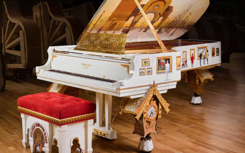 STEINWAY PICTURES AT AN EXHIBITION