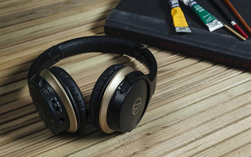 AUDIO-TECHNICA ATH-AR3IS & ATH-AR3BT